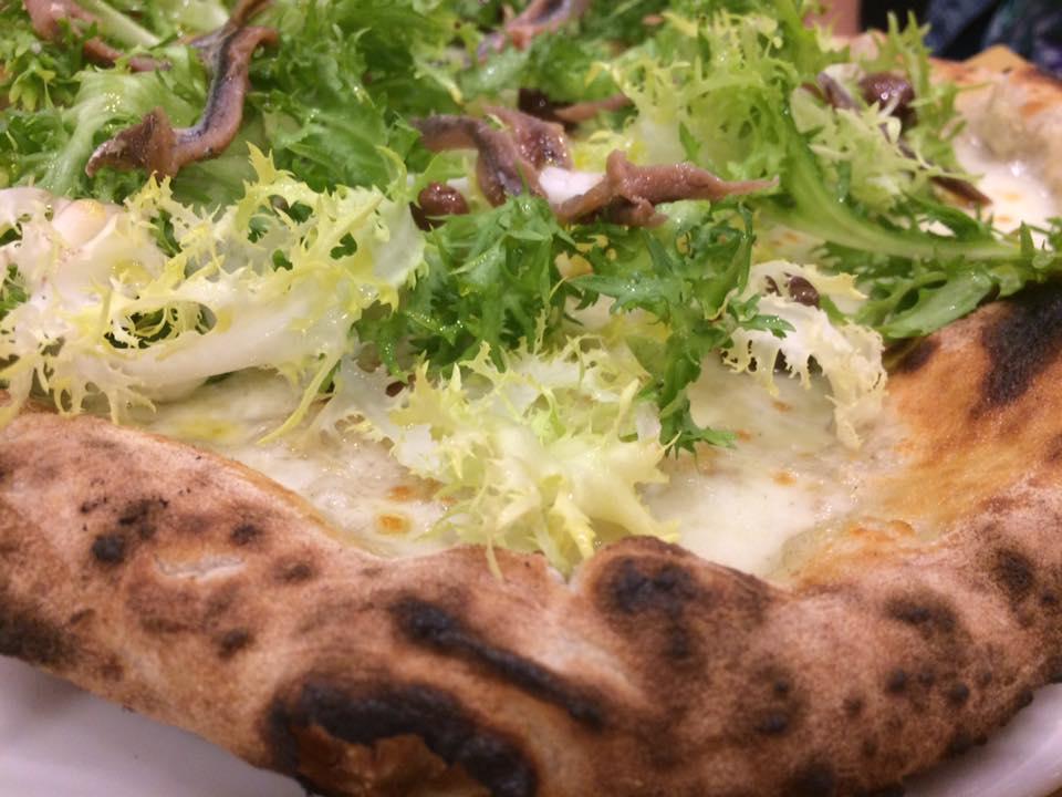 Pizzeria Madia, scarola e alici