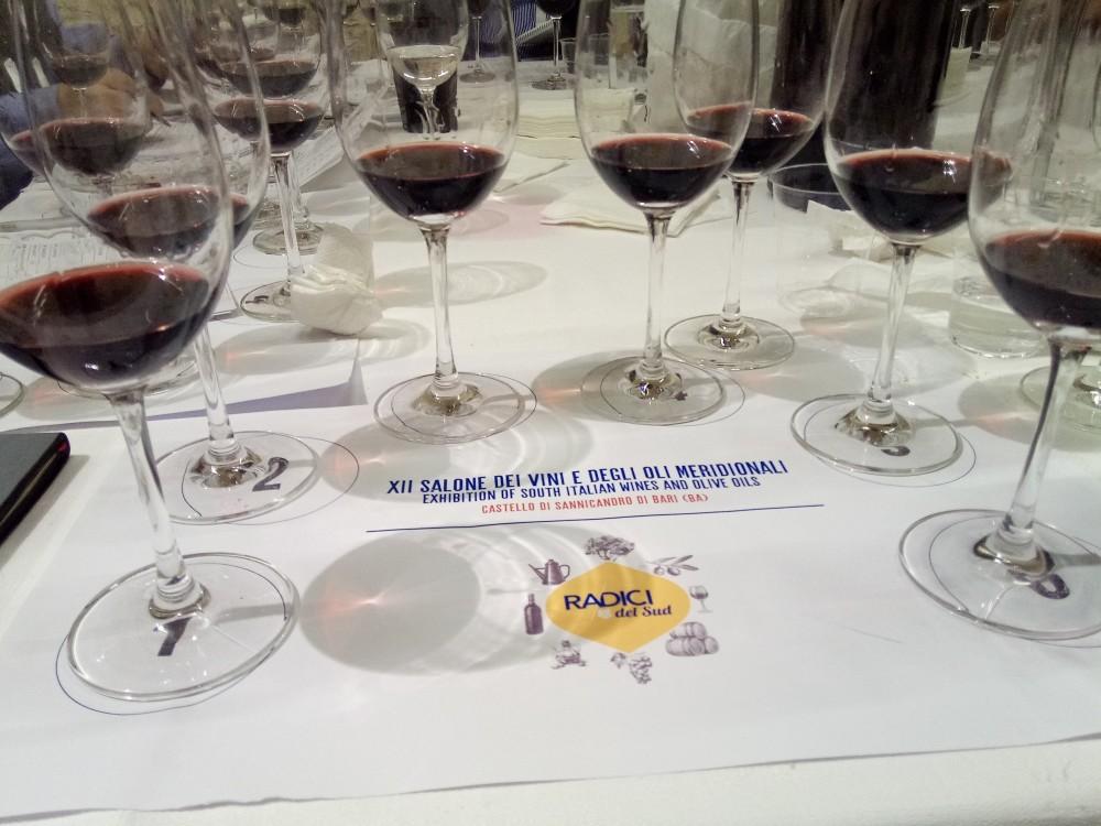 Radici del Sud Degustazione alla cieca  dei vini in concorso