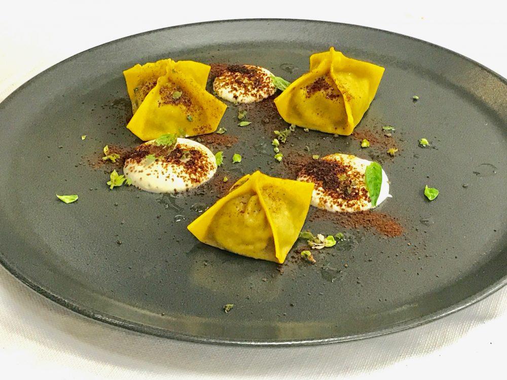 Ravioli di pasta all'uovo