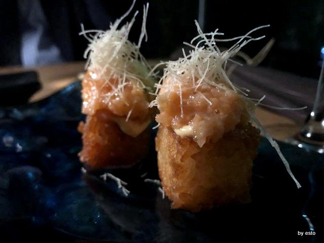 Roji Crispy cube con tartare di salmone e kataifi