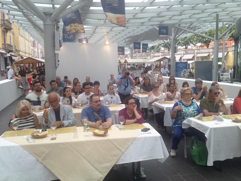 Manifestazione Gola Gola -Sala degustazione