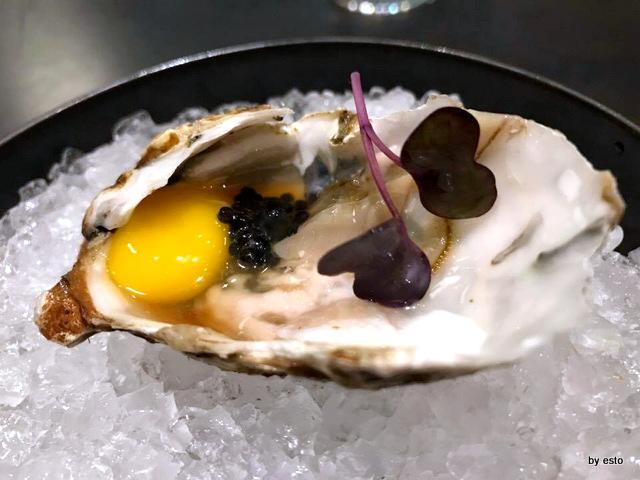 Shinto Alfredo Versetto ostrica caviale uovo di quaglia salsa ponzu