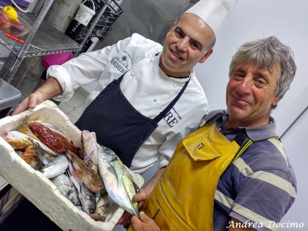 Taverna del Capitano a Marina del Cantone, Nerano NA. Alfonso Caputo ed il suo pescatore di fiducia