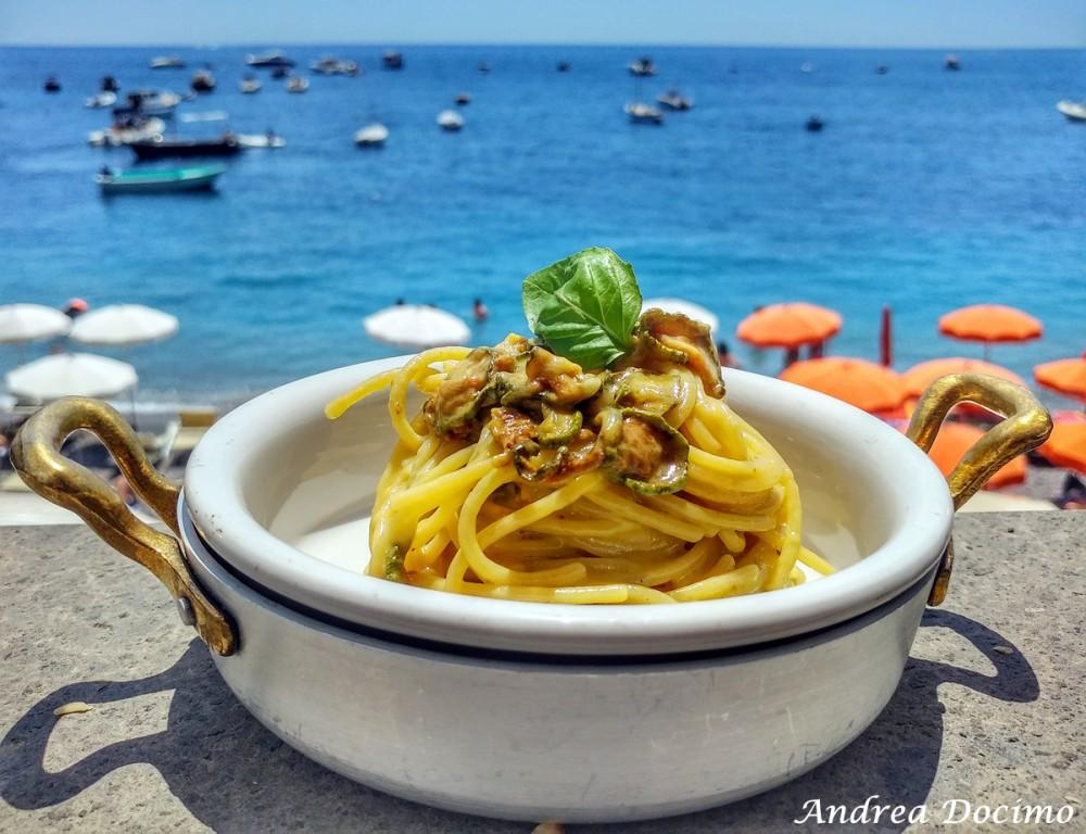Taverna del Capitano a Marina del Cantone, Nerano NA. Gli spaghetti alla Nerano