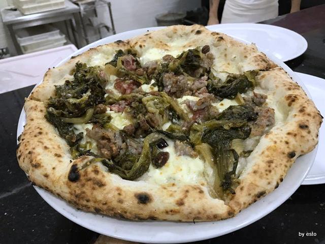 Totò e i Sapori Mauro Autolitano pizzascarole e salsiccia 'e purmone