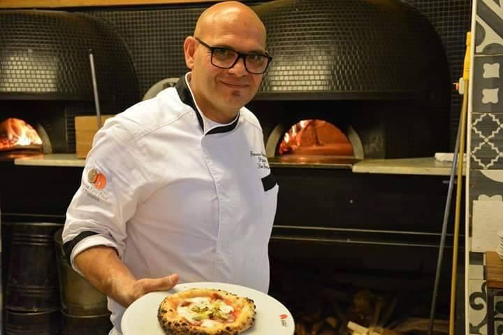 Re Fiascone -Francesco Maiorano, alle prese con le pizze