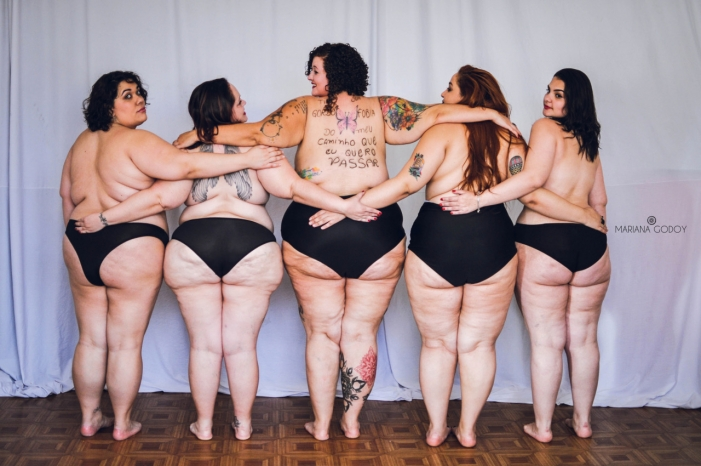 Donne obese in lingerie