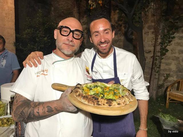 Francesco Marticci con Francesco Sposito e la pizza Esti(v)a
