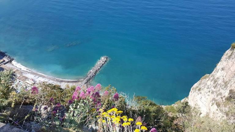 In viaggio verso lo Stuzzichino, il mare della Penisola Sorrentina visto dalla strada panoramica