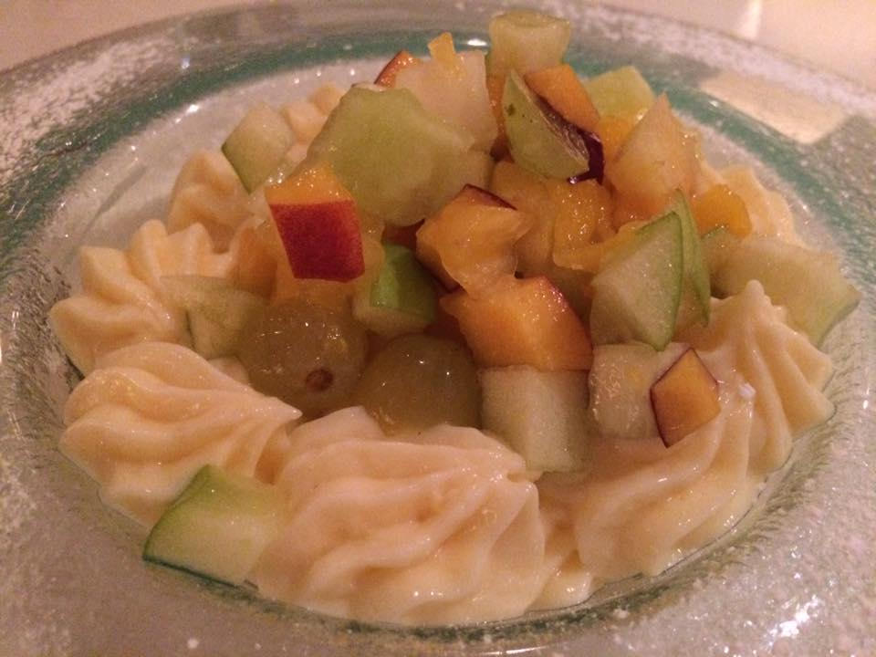 Kuzina, crema di limone e frutta