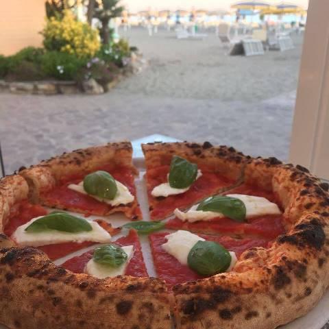 La pizza di Pier Daniele Seu al Plinius di Ostia