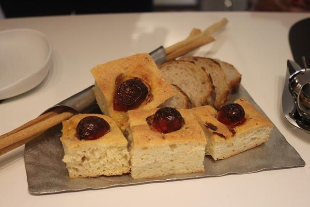 Livello1, pane, focaccia e grissini fatti in casa dallo Chef