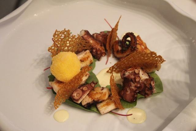 Livello1, polpo in Caesar Salad