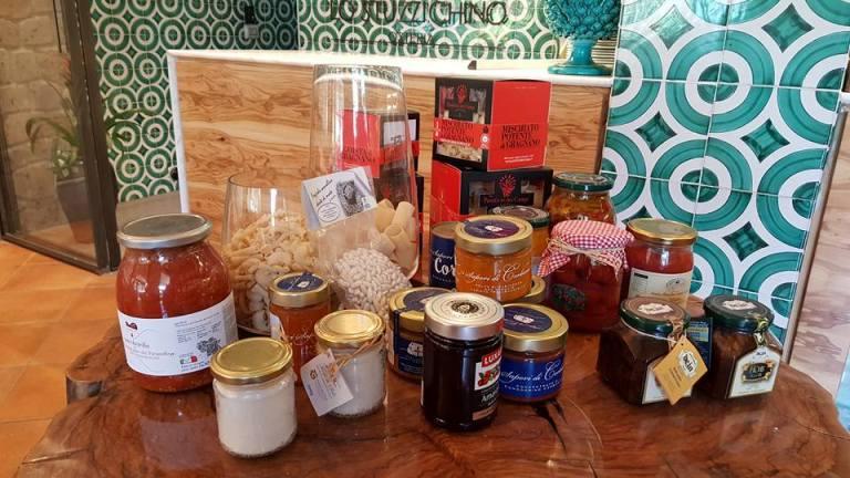 Lo Stuzzichino, alcuni prodotti in esposizione