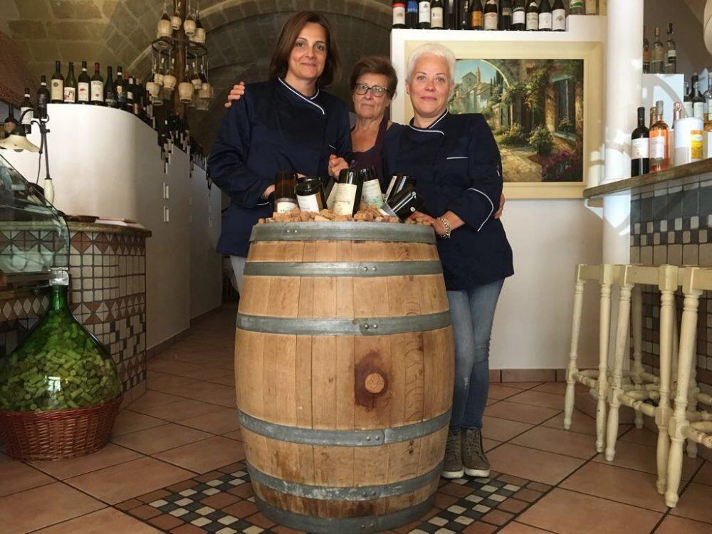 Paola Oresta con Rosanna Marsella e la suocera