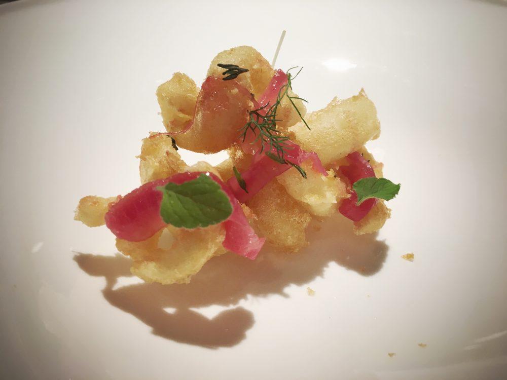 Pascucci al Porticciolo - Il crudo e il cotto- Tempura di calamaro, composta di arance e cipolla