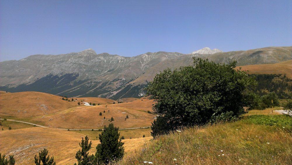 Percorsi di Gusto AQ – veduta del gruppo montuoso del Gran Sasso