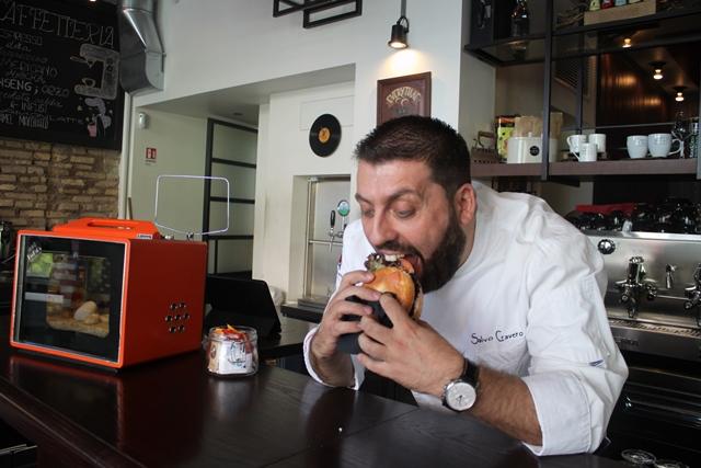 Chef Salvo Cravero con il bagel