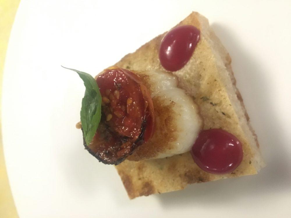 Ristorante San Domenico - Focaccia, cappasanta e maionese di rapa rossa