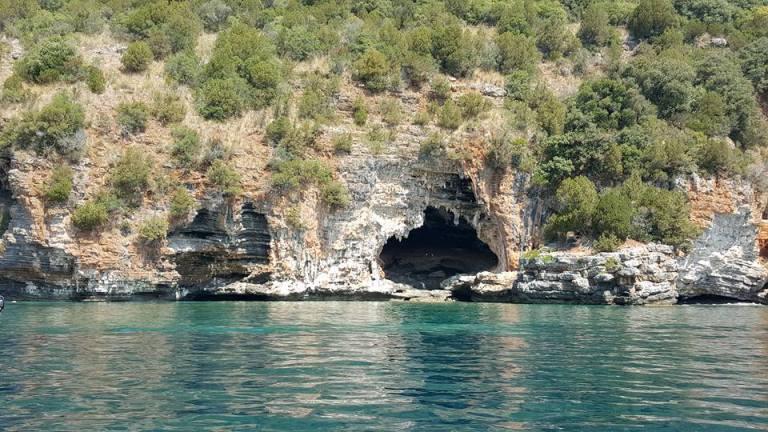 La grotta della Molara