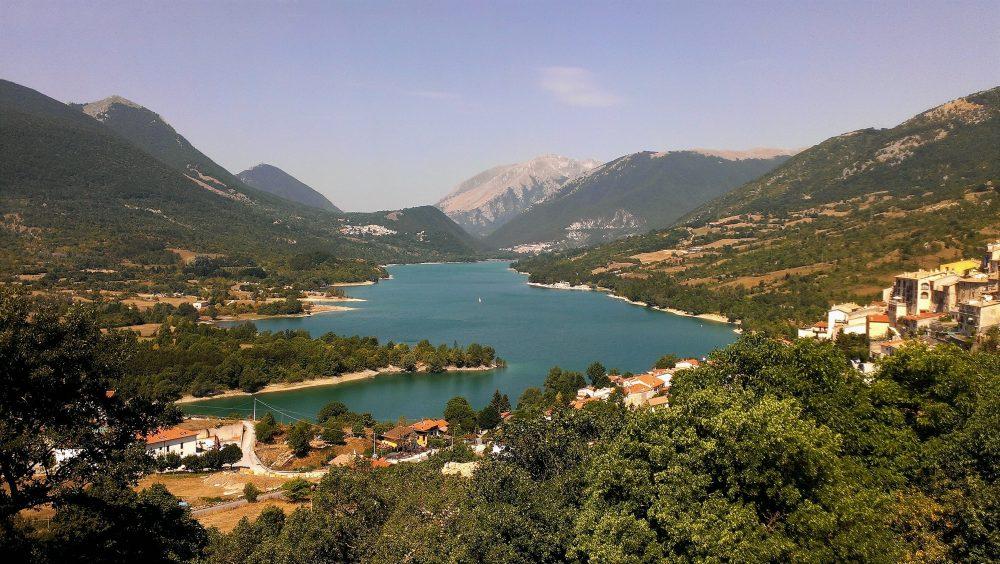 Villetta Barrea AQ - vista del lago di Barrea