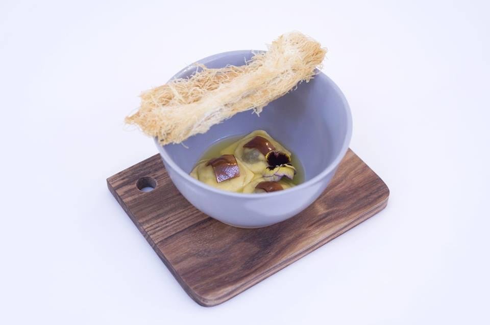 Il piatto a firma Vecchione, il raviolo di S.Rosa
