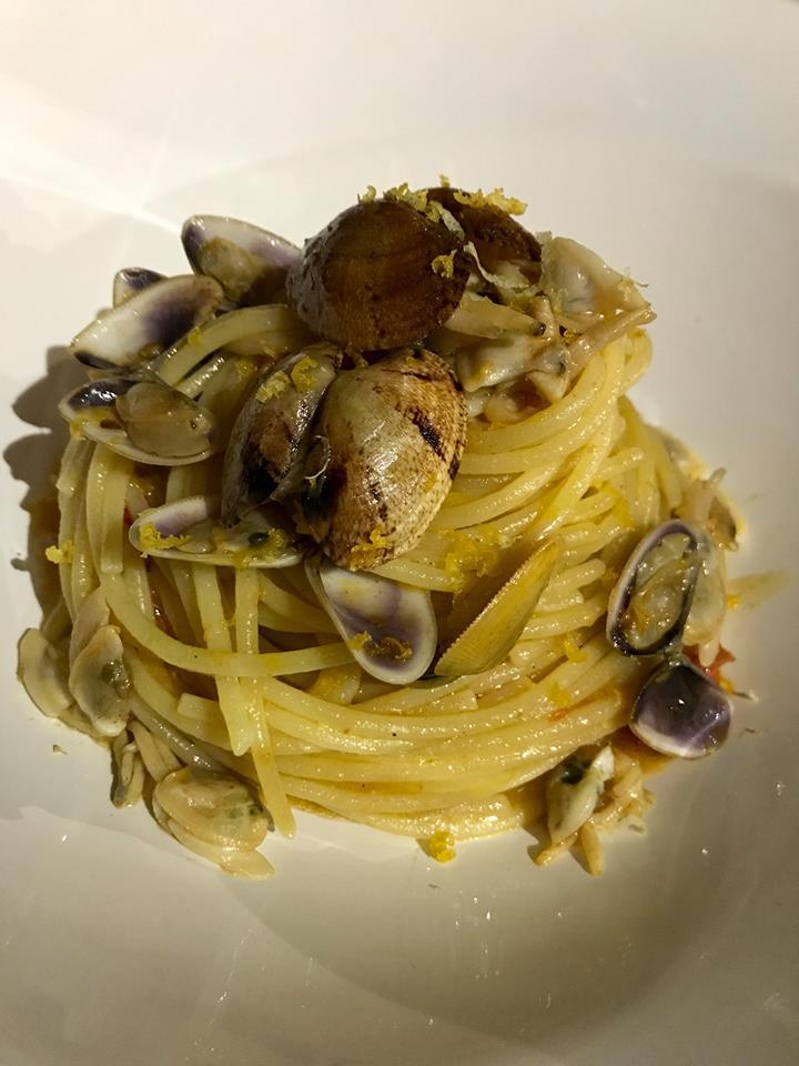 La Tonnarella, spaghetti con vongole e telline