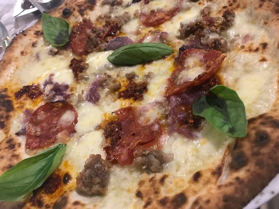 Pizzeria Aniello Mansi, bianca con la 'nduja
