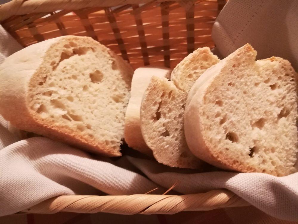 Agriturismo Aglio Piccolo - pane fatto in casa