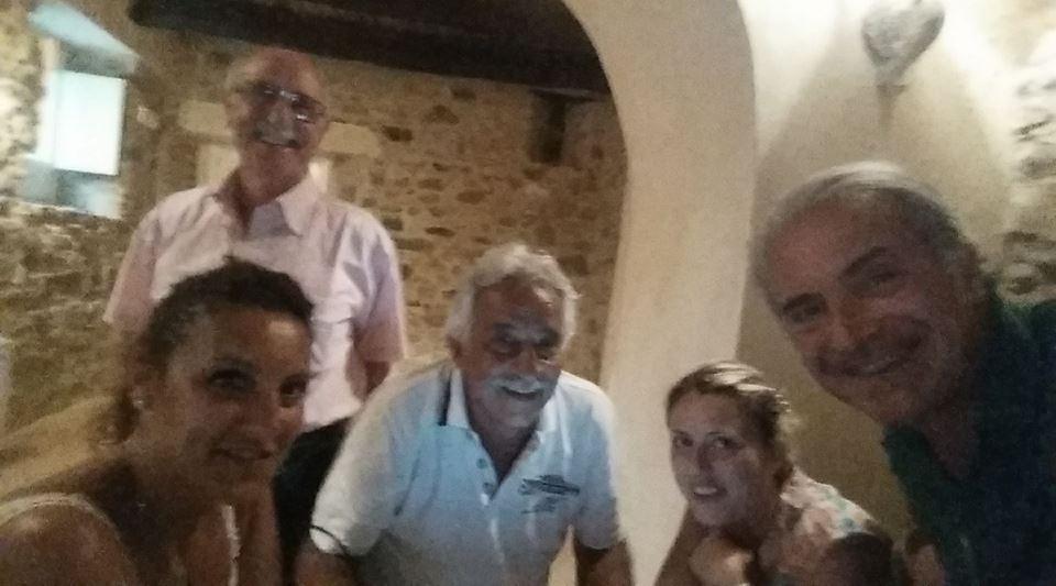 Commissione giudicante vini biologici e biodinamici del Festival della Dieta Mediterranea a Pioppi