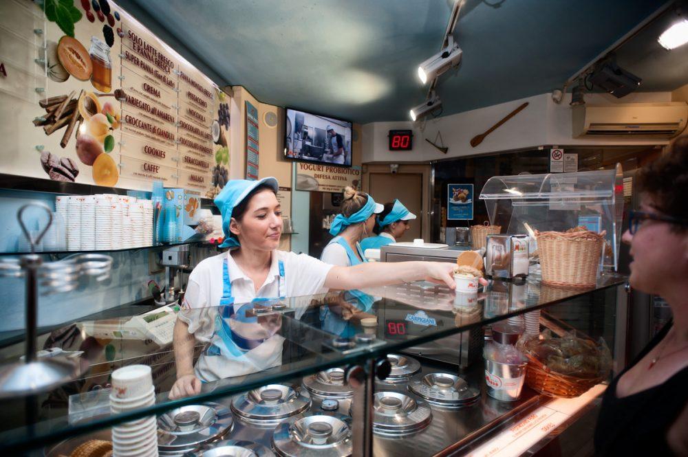 Gelateria Modo - La gelateria con i banconi a pozzetto