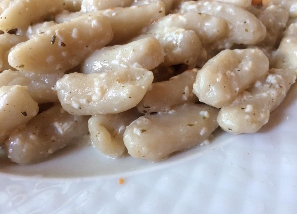 La Diga, cavatielli aglio e ricotta