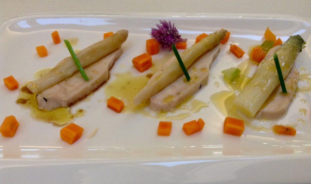 La Piana, Carate Brianza, petto di polastrella agli asparagi rosa di Mezzago