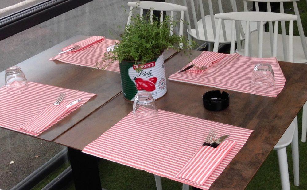 Napizz -Tavolo e mise en place