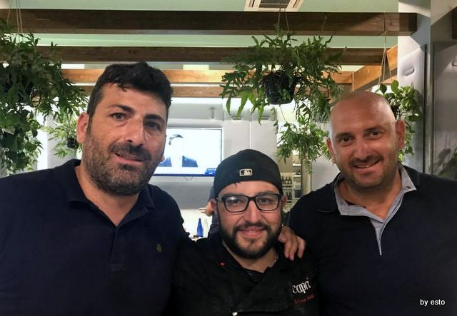 Pizzeria Capri Alfonso Saviello con i proprietari Umberto Scermino ed Emilio Signorelli