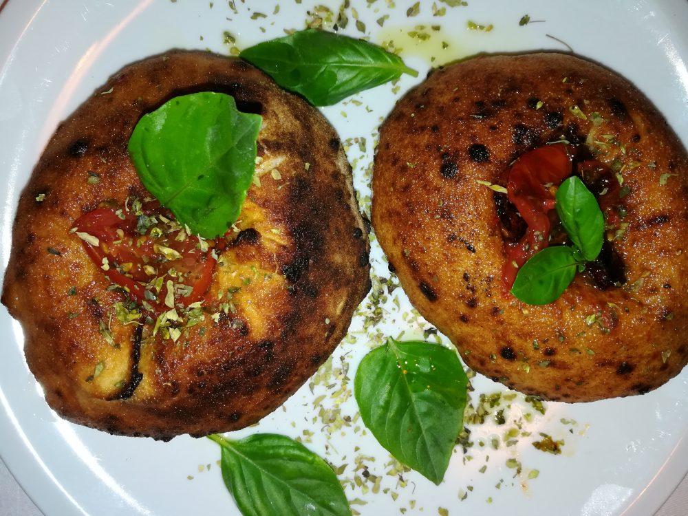 Pizzeria Pomodoro e Basilico - Focaccine con Datterini al forno