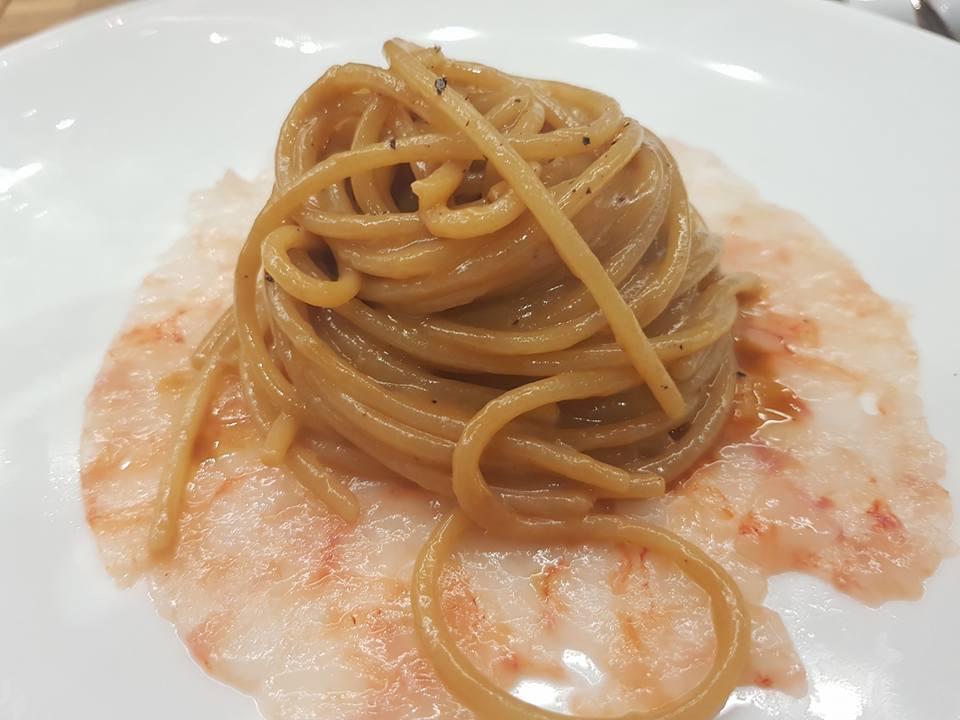 Sea Front Di Martino Pasta Bar - Vermicello cacio e pepe, carpaccio di crostacei e loro bisque