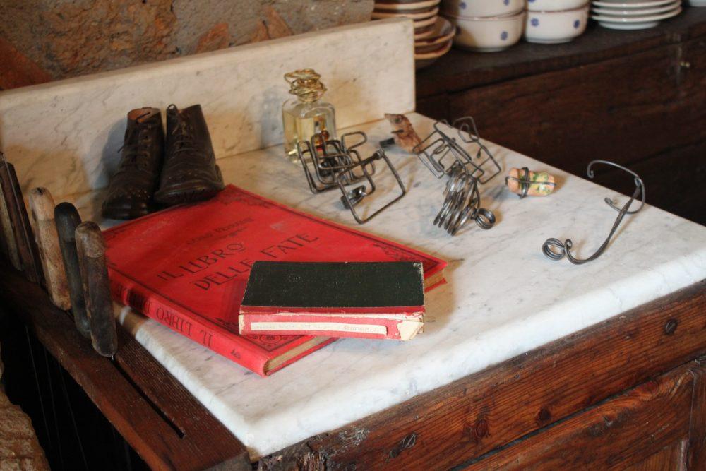 Via Romana Antica Dimora - Libri antichi e oggetti realizzati da Mauro