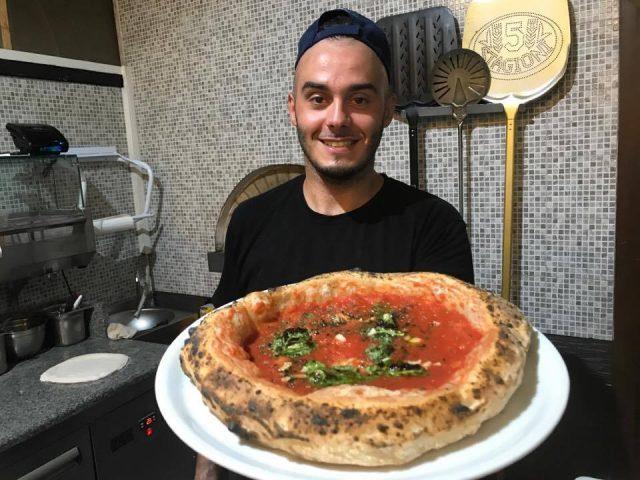 Vicè Vincenzo de Leonardis pizza marinara