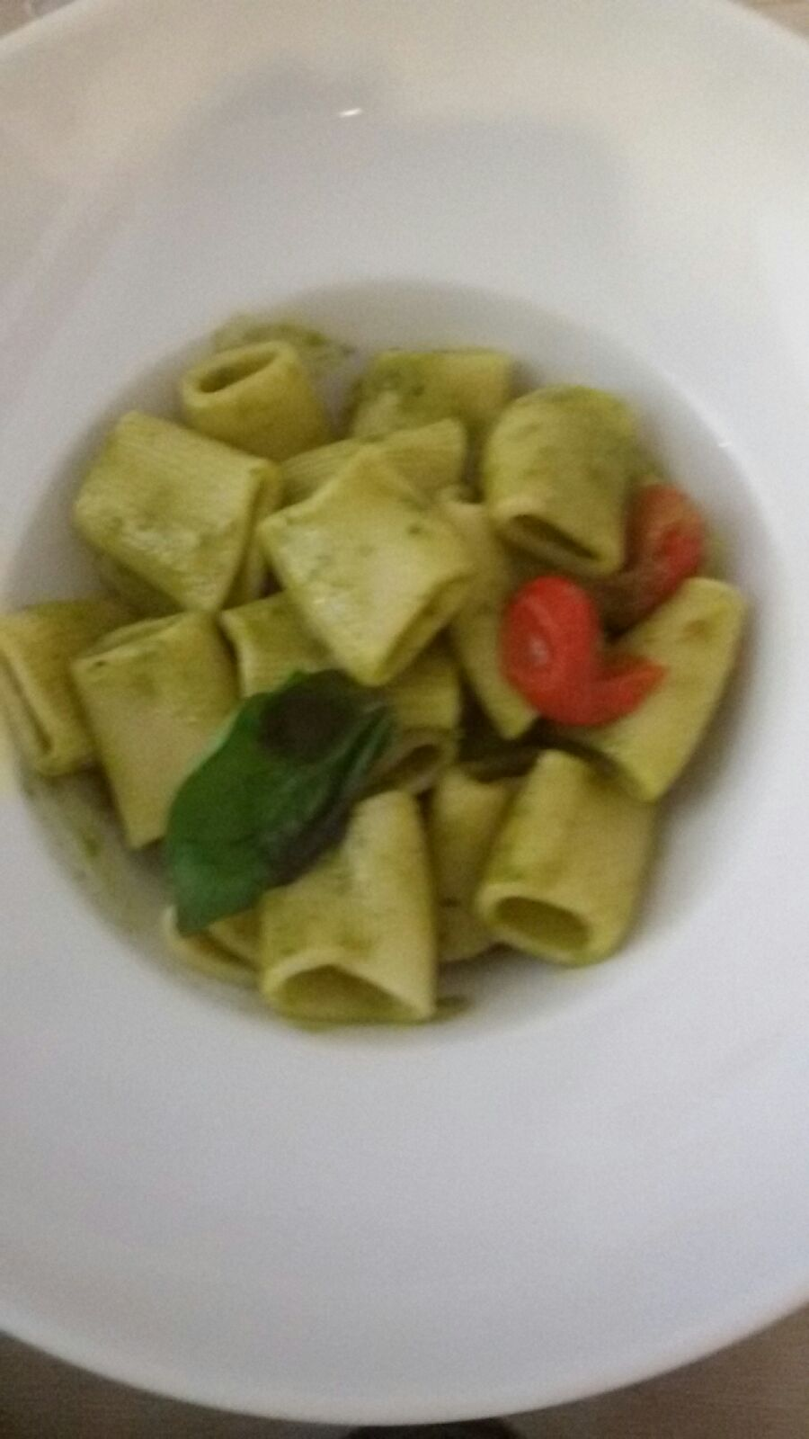 Re Lazzarone - I rigatoni con pesto e cozze