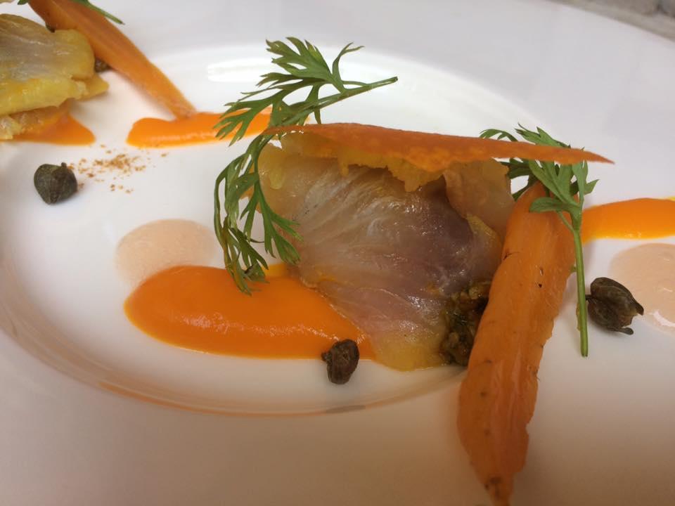 Villa Chiara, cefalo marinato, crema di carote, pompelmo e capperi