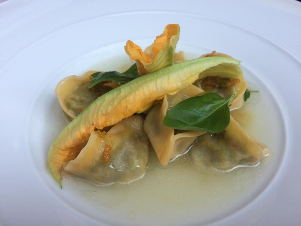 Villa Chiara, tortelli con zucchine, distillato di parmigiano e pepe di Sechuan