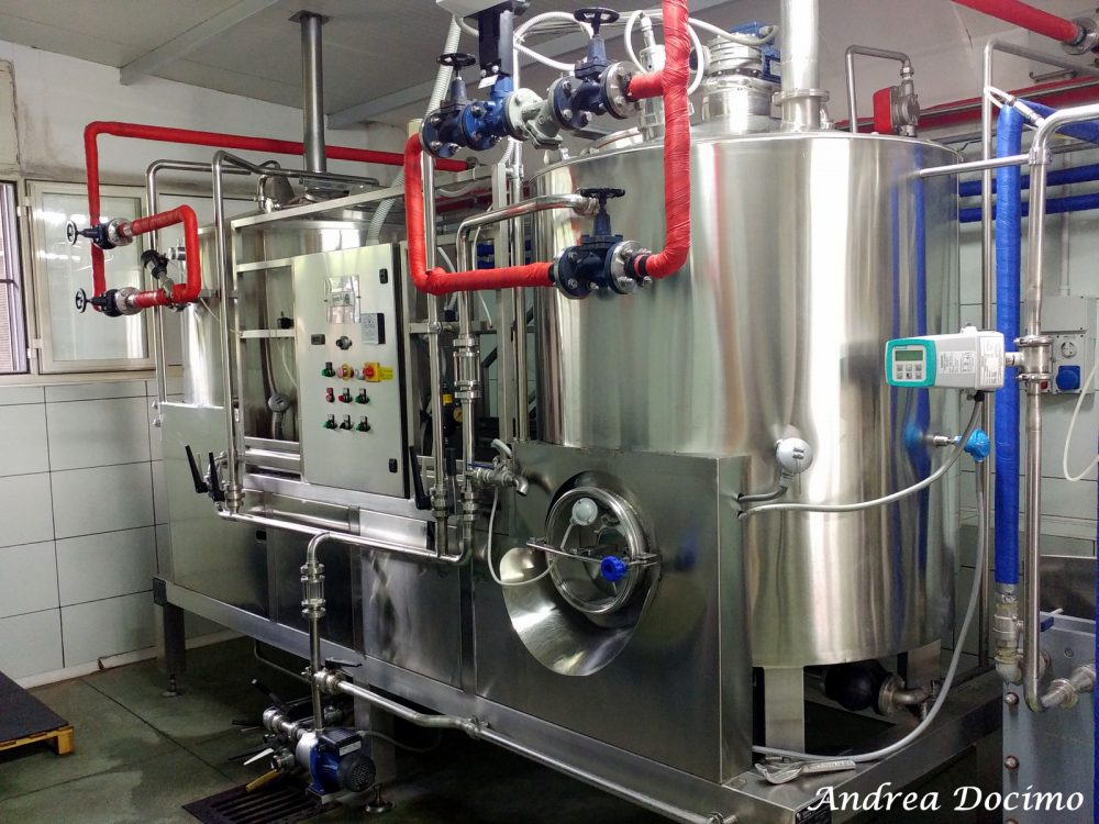 Birrificio Bella 'Mbriana Brewing a Nocera Inferiore. La sala cotte