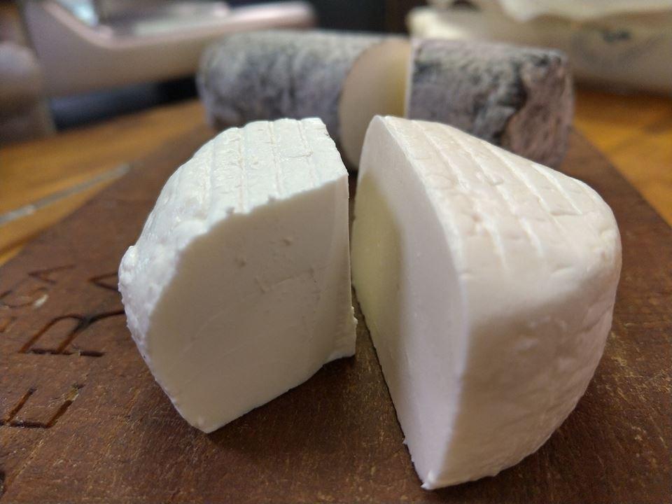 Bottega Liberati, formaggio di capra