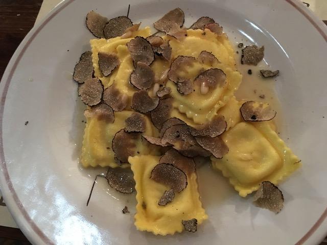 Bottega Peruzzi - ravioli tartufo nero