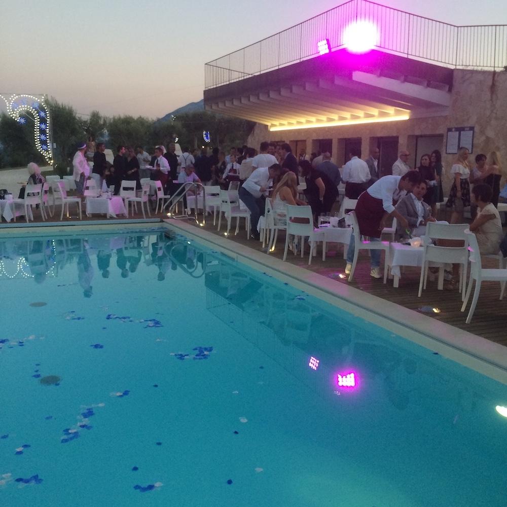 Castello di Semivicoli -la piscina in festa