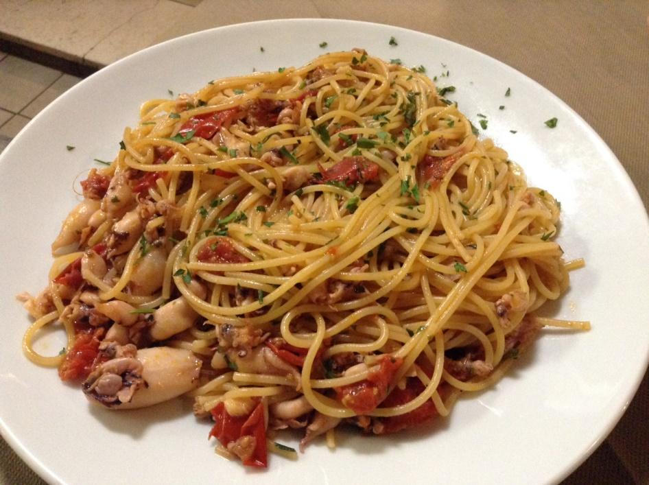 Dei Mille, Riccione, spaghetti con calamaretti e pendolini