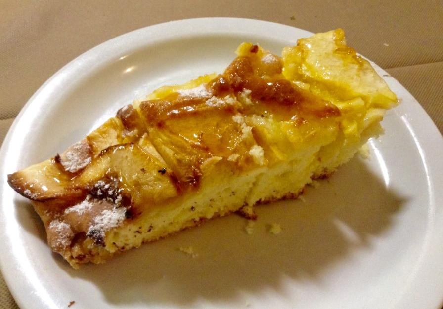 Dei Mille, Riccione, torta di mele appena fatta