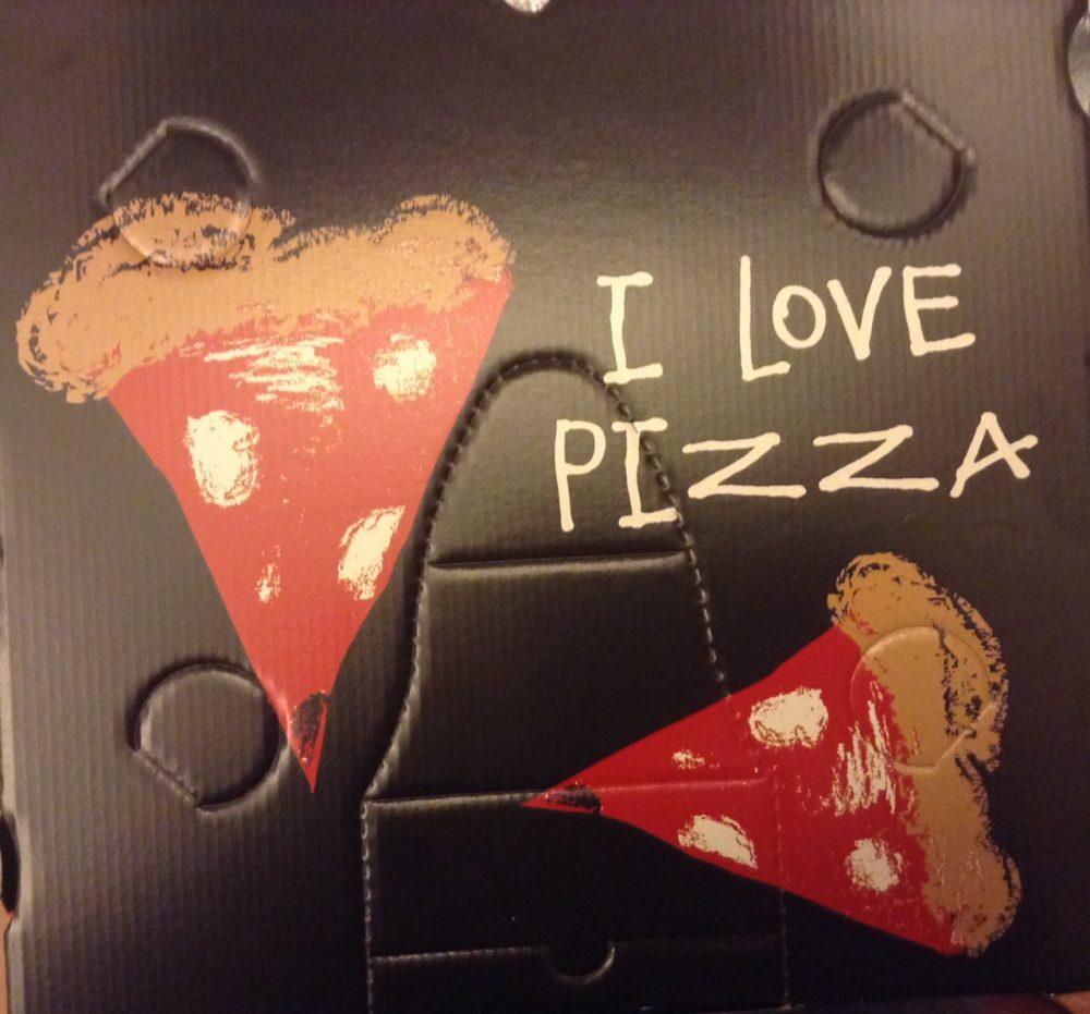 Bello il box per la pizza, dotato di brevetto, disegnato dai bambini