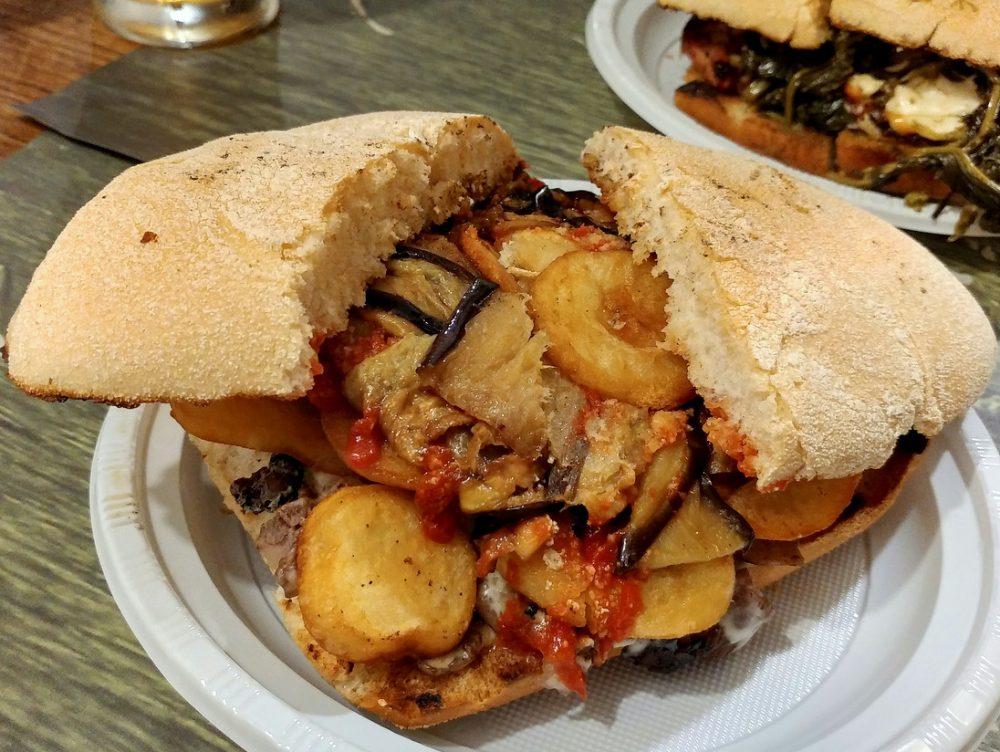 Il panino della Paninoteca Ciro Mazzella dal 1974 a Monte di Procida